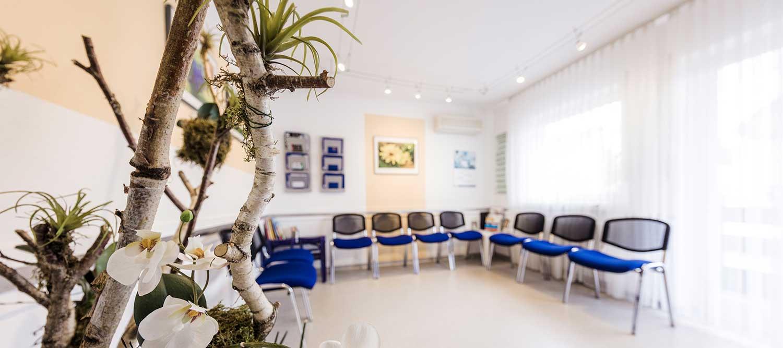 Zahnarzt Windeck - Hamood - Blick ins Wartezimmer der Praxis